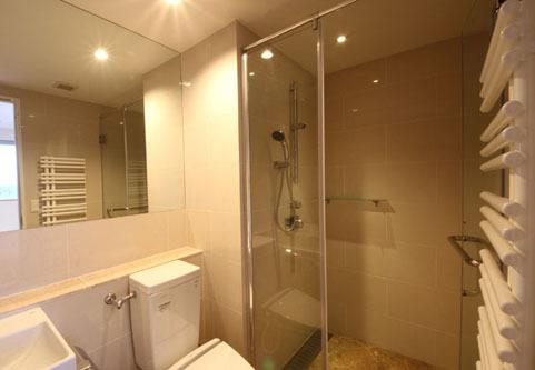 Snow Crystal 2-Bedroom Penthouse Apartment - Ba...