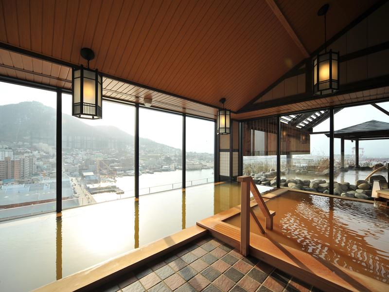 la-vista-hakodate-indoor-onsen-day