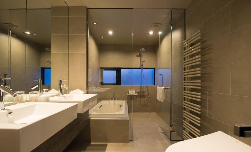 Aspect 3 Bedroom Premium Suites Bathroom