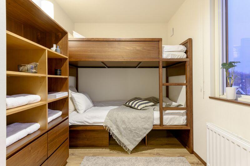 snowdog-village-2bdr-bunk-bedroom