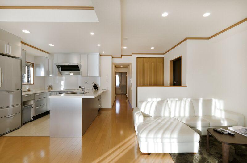 Mountainside Palace - Living Room