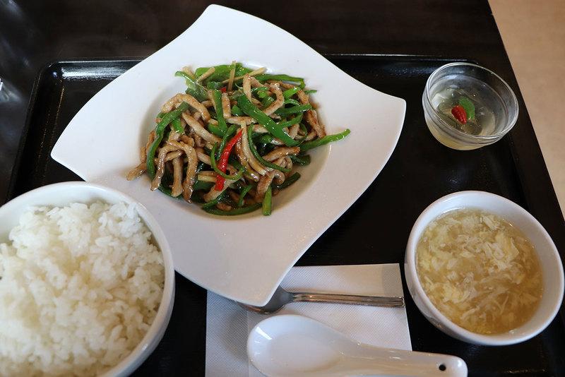広華の青椒肉絲定食