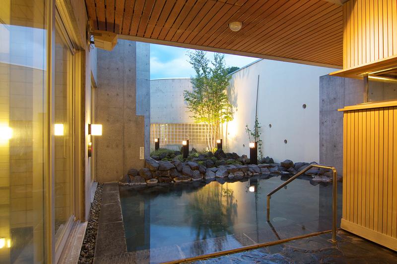 ニセコ綺羅の湯の露天風呂
