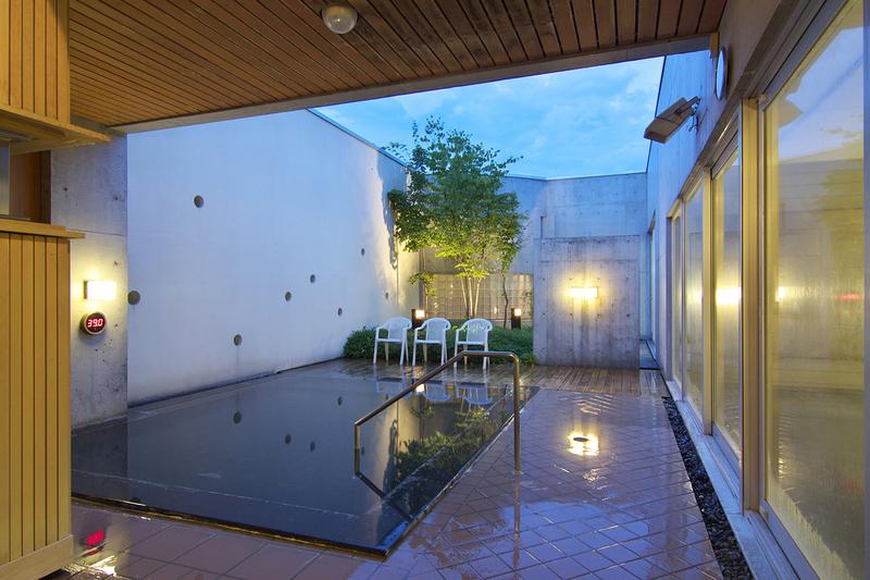 ニセコ綺羅の湯の洋風露天風呂