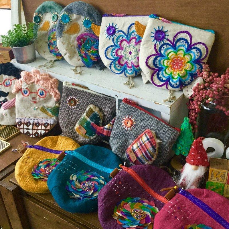 Handmade Kaz33のカラフルな小物たち