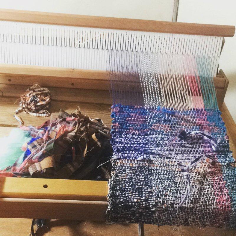 Megumi Kamataさんの織り物制作風景
