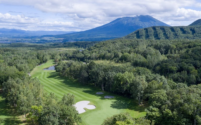 booking golf early is essential for summer in niseko