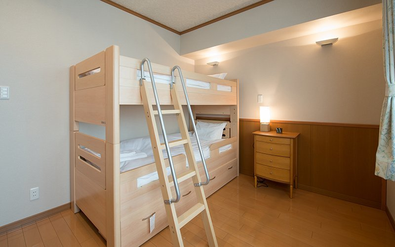 mountainside palace bunk bed room