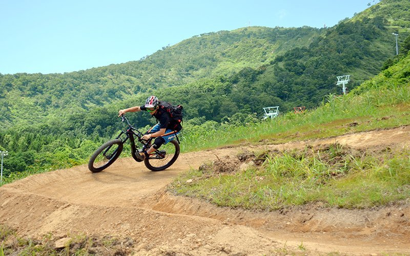 niseko downhill mountain biking hirafu