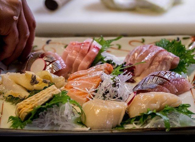 tellus niseko seafood
