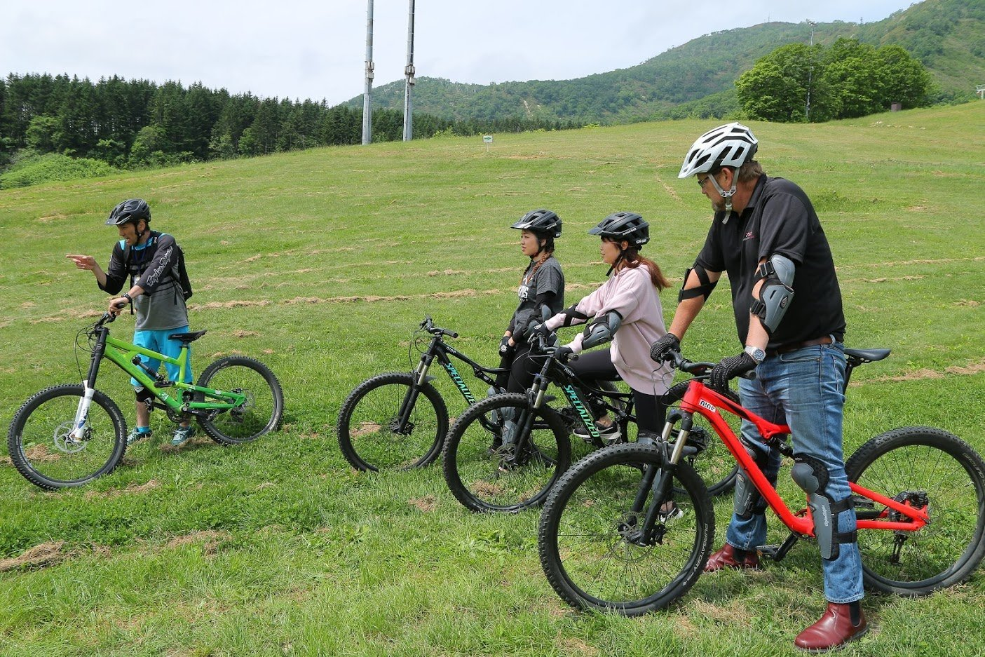 mountain biking group lessons niseko summer