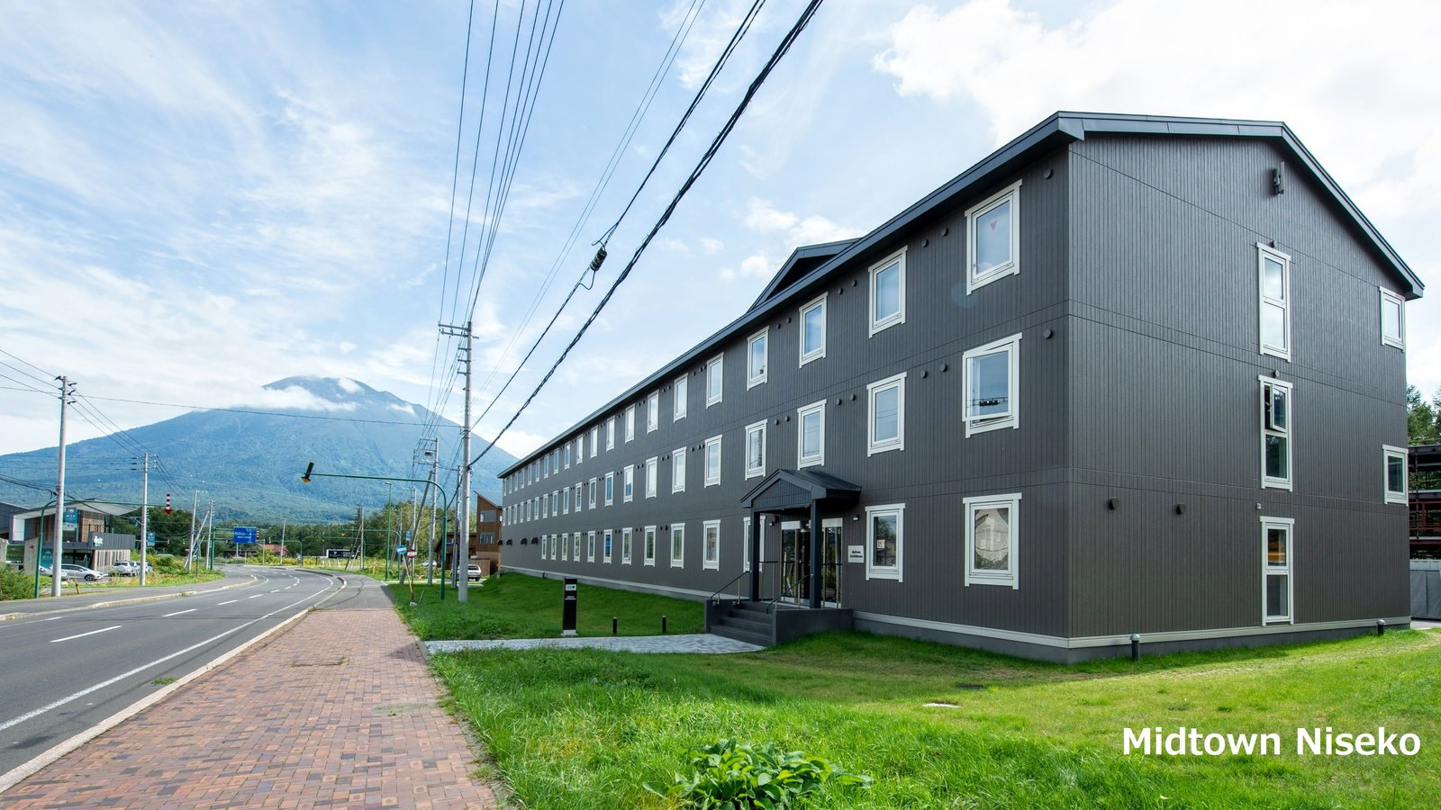 Midtown Niseko - Brand new budget accommodation in Niseko that offer best value in town.