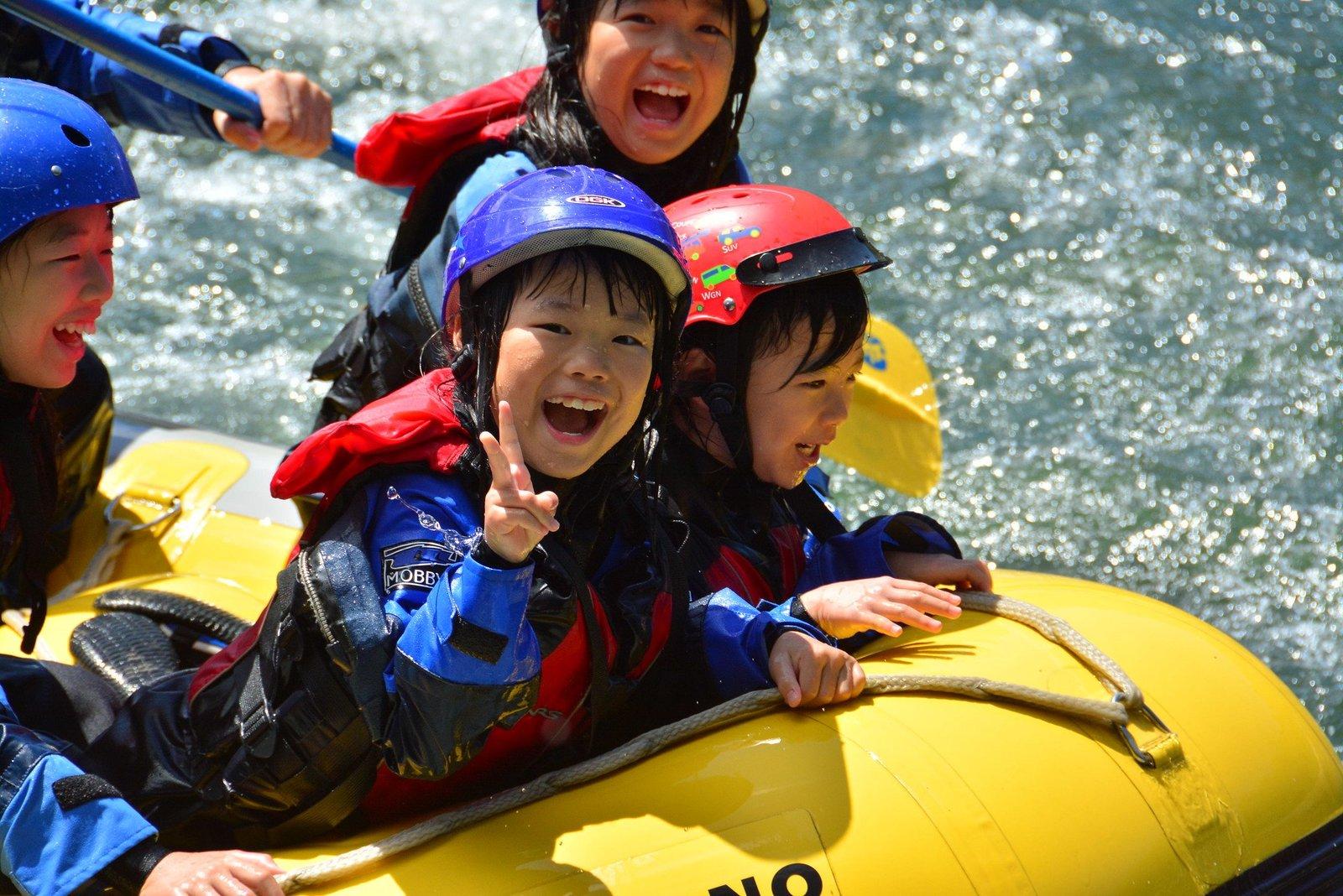 kids rafting niseko hanazono