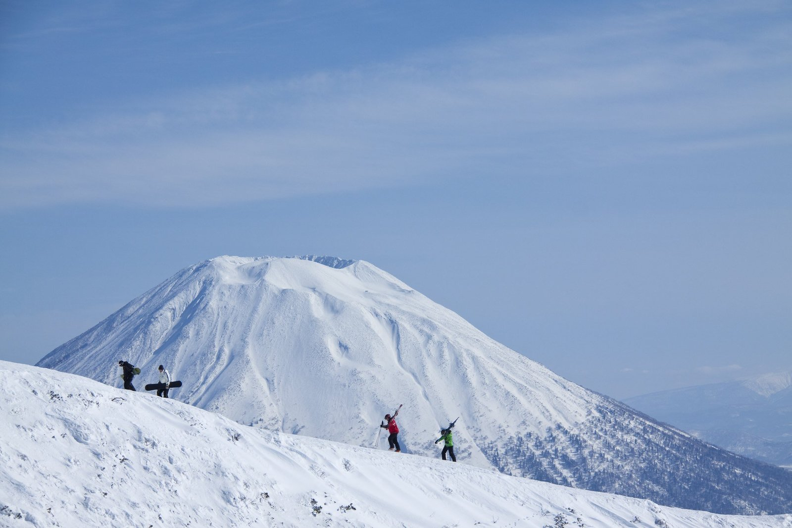hiking to the peak of niseko mt annupuri
