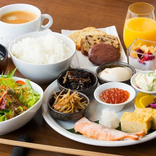 vacation-niseko-summer-breakfast-options