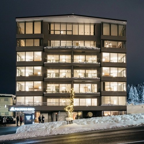 Maples Niseko exterior square