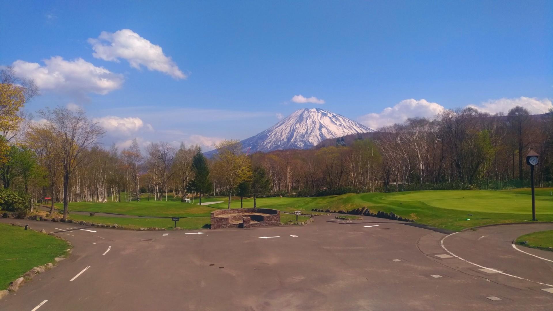 クラブハウスから見える羊蹄山