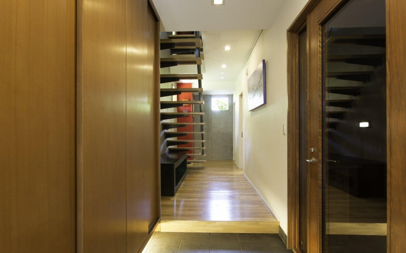 Kon m 3bdr house corridor large