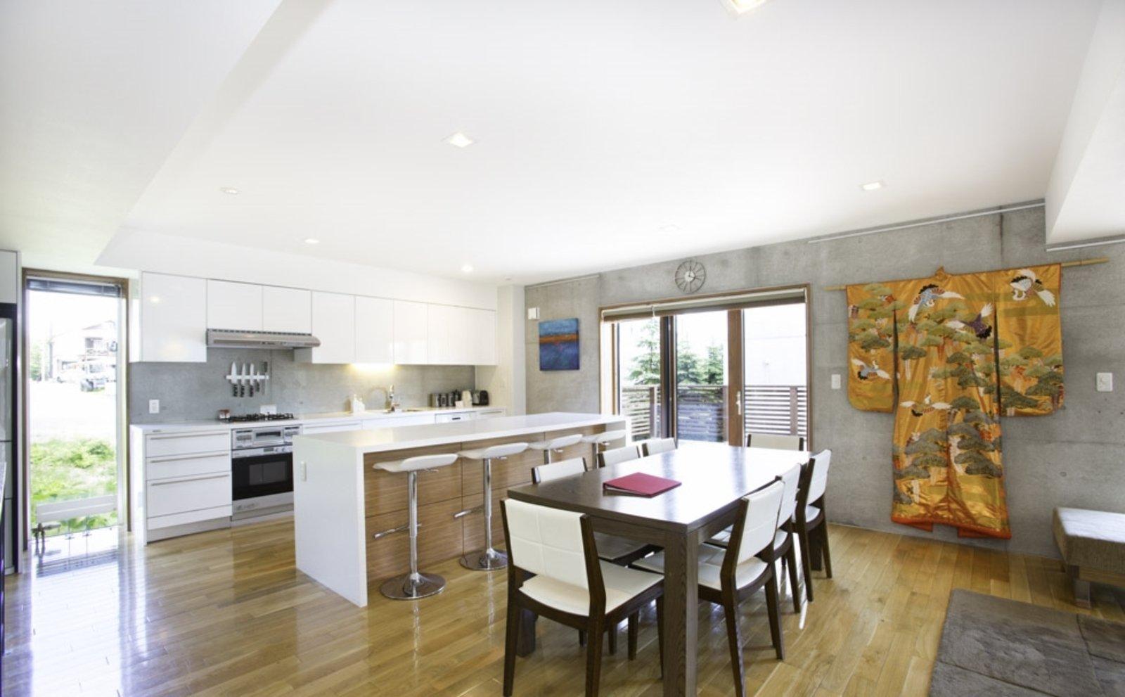 Kon m 3bdr house dining room large