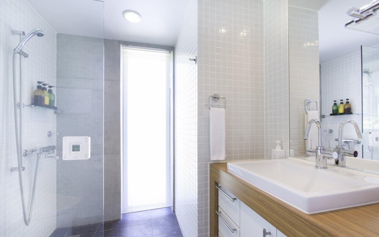 Kon m 3bdr house bathroom large