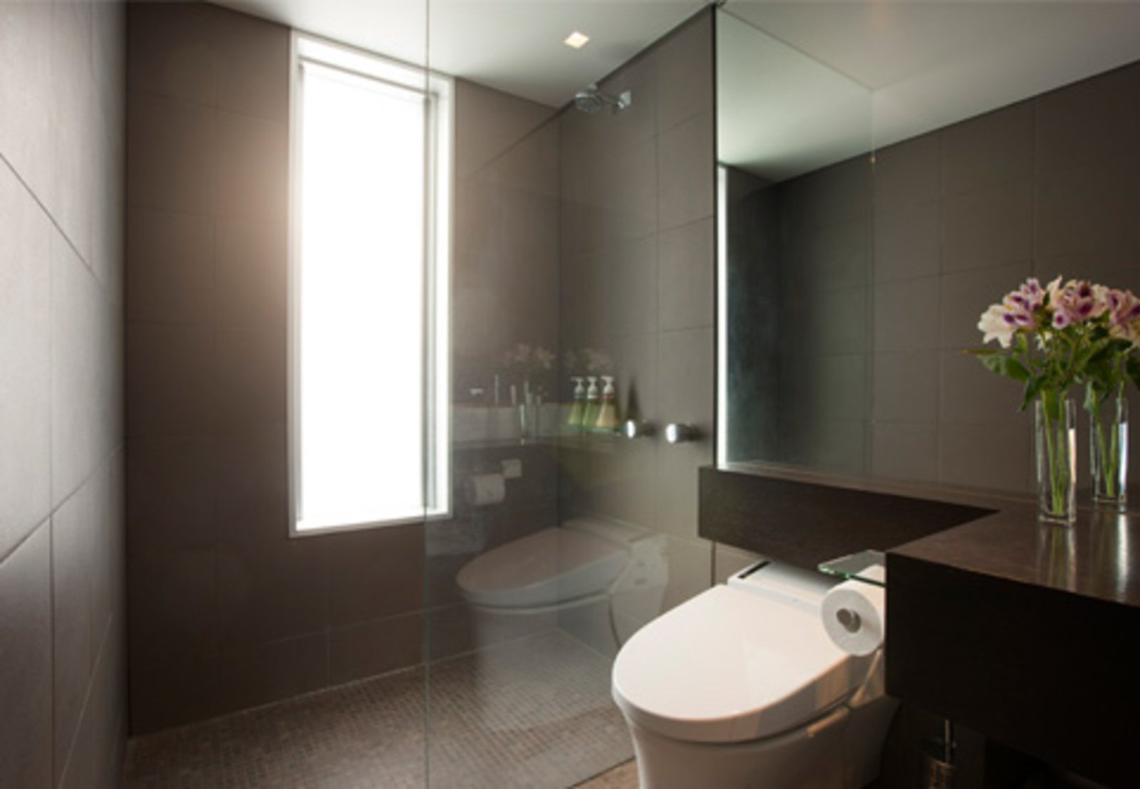 Setsumon 2 bedroom premier apartment bathroom large