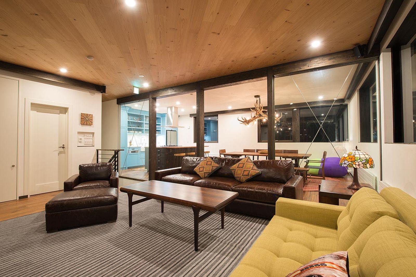 Gustav hideaway living room large