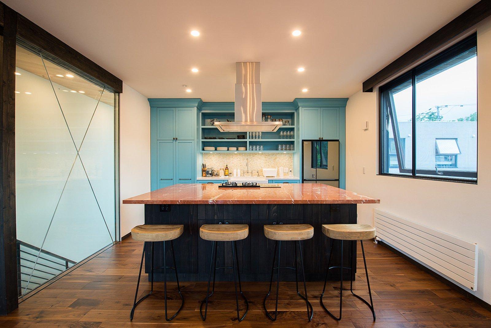 Gustav hideaway kitchen large