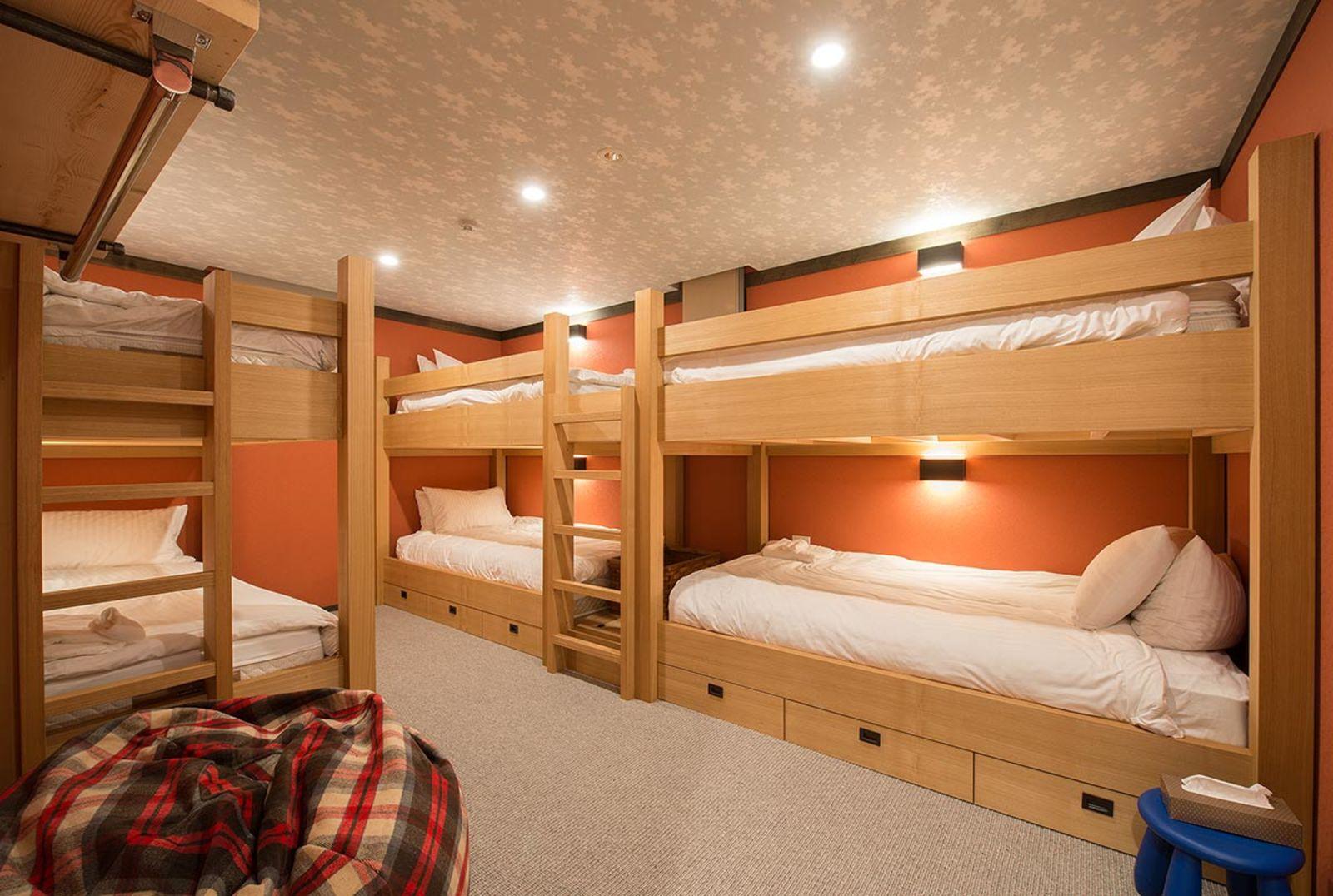 Gustav hideaway bunk room large