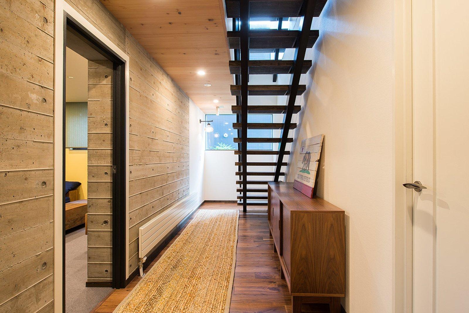 Gustav hideaway entrance hallway large