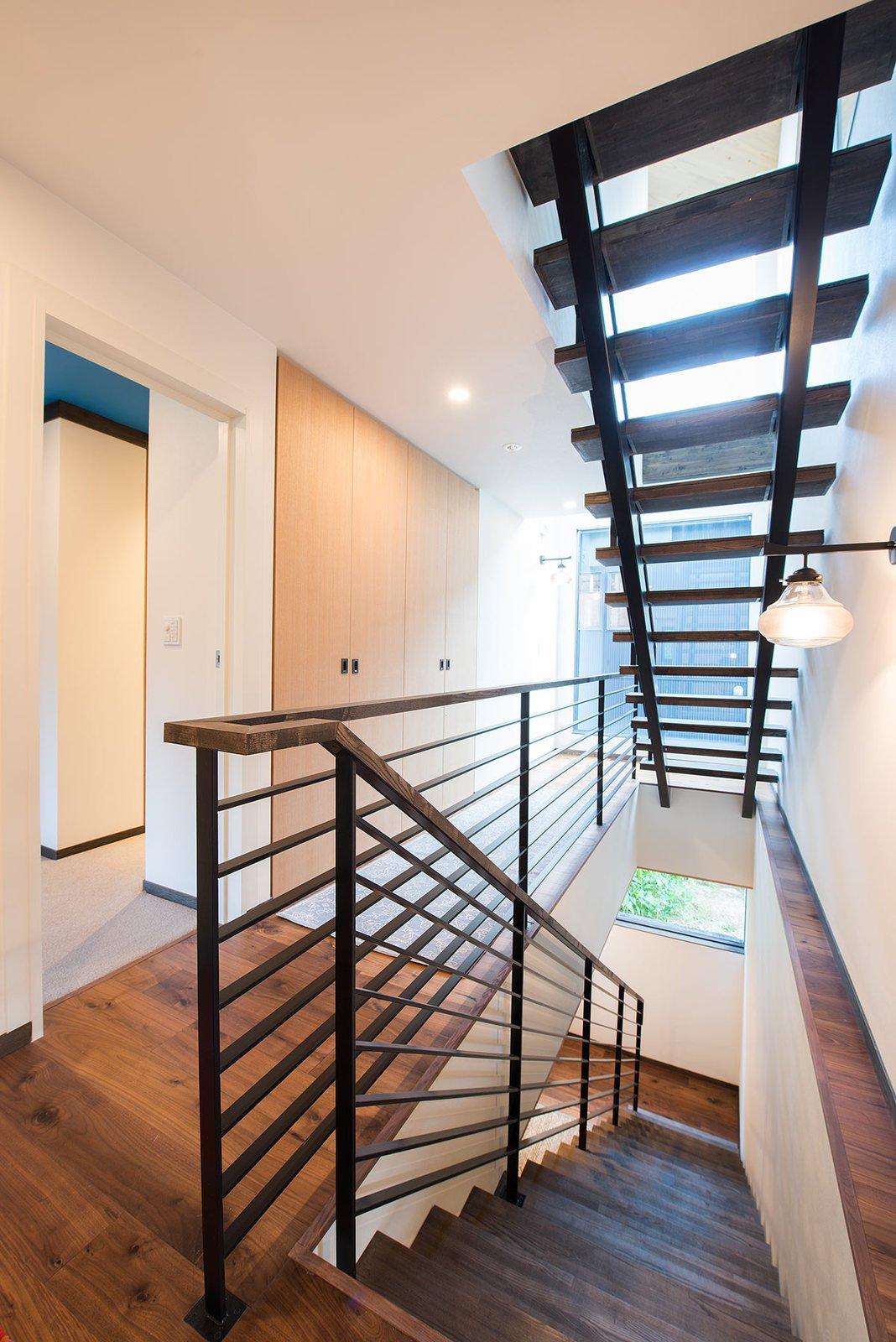Gustav hideaway stairway large
