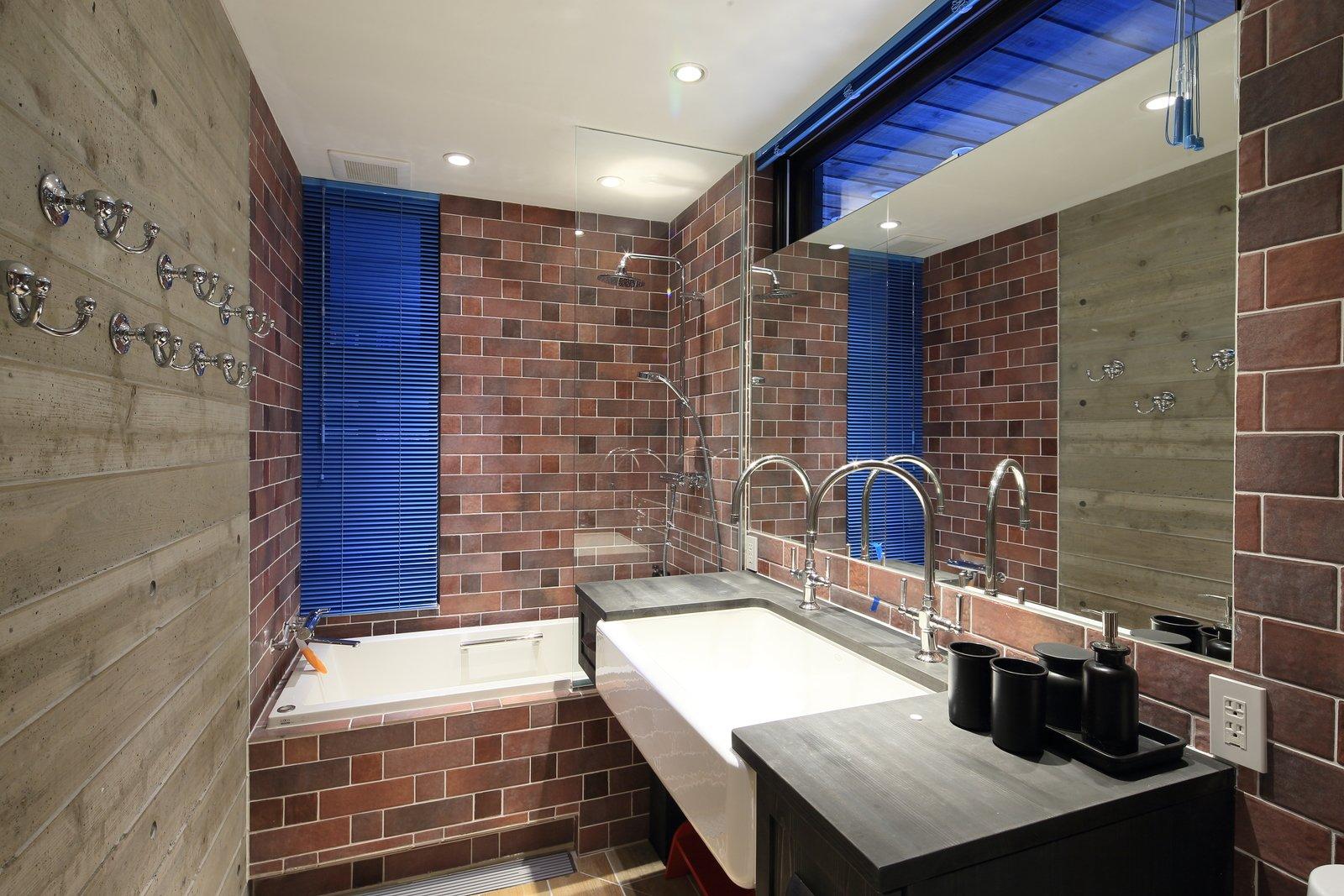 Gustav hideaway bathroom 6 large