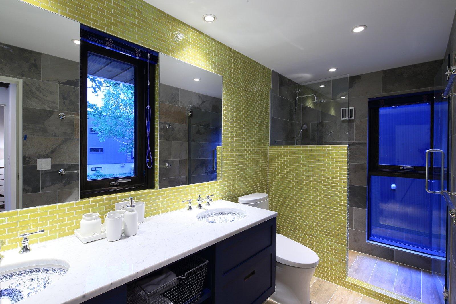 Gustav hideaway bathroom 4 large