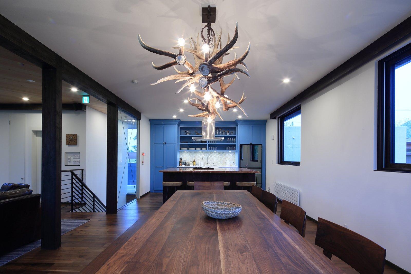 Gustav hideaway dining room 10 large