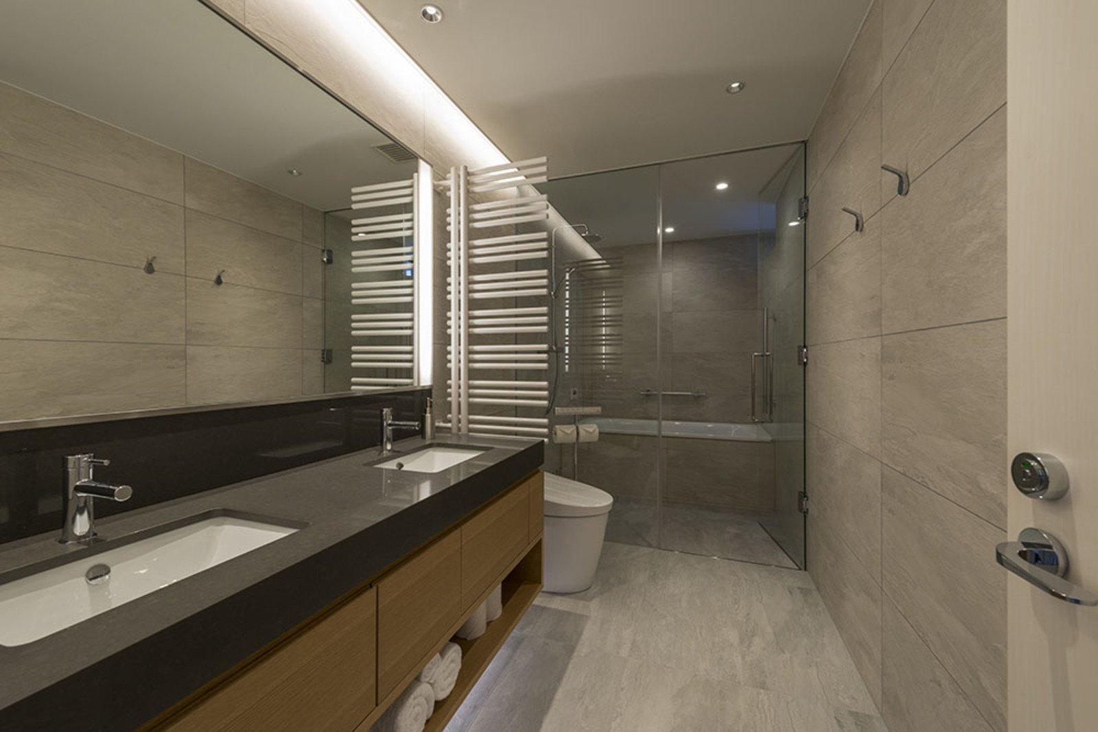 Penthouse bathroom 3 large