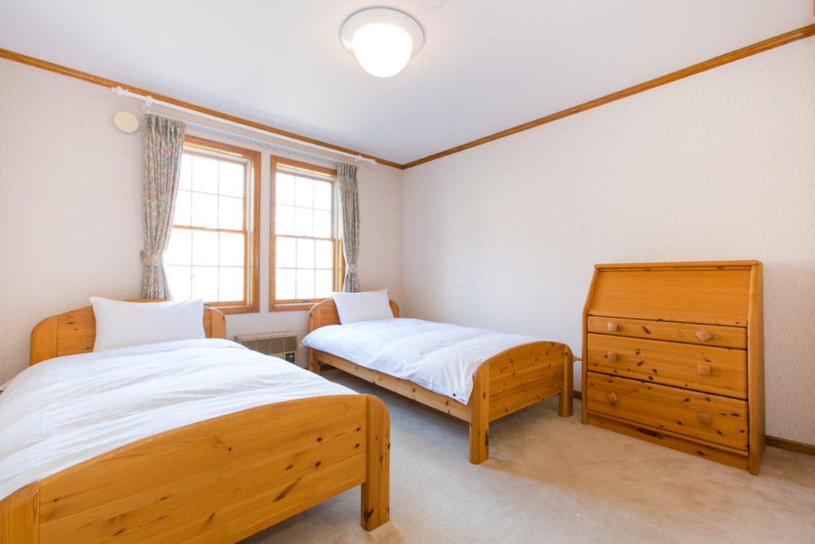 Heritage western bedroom large