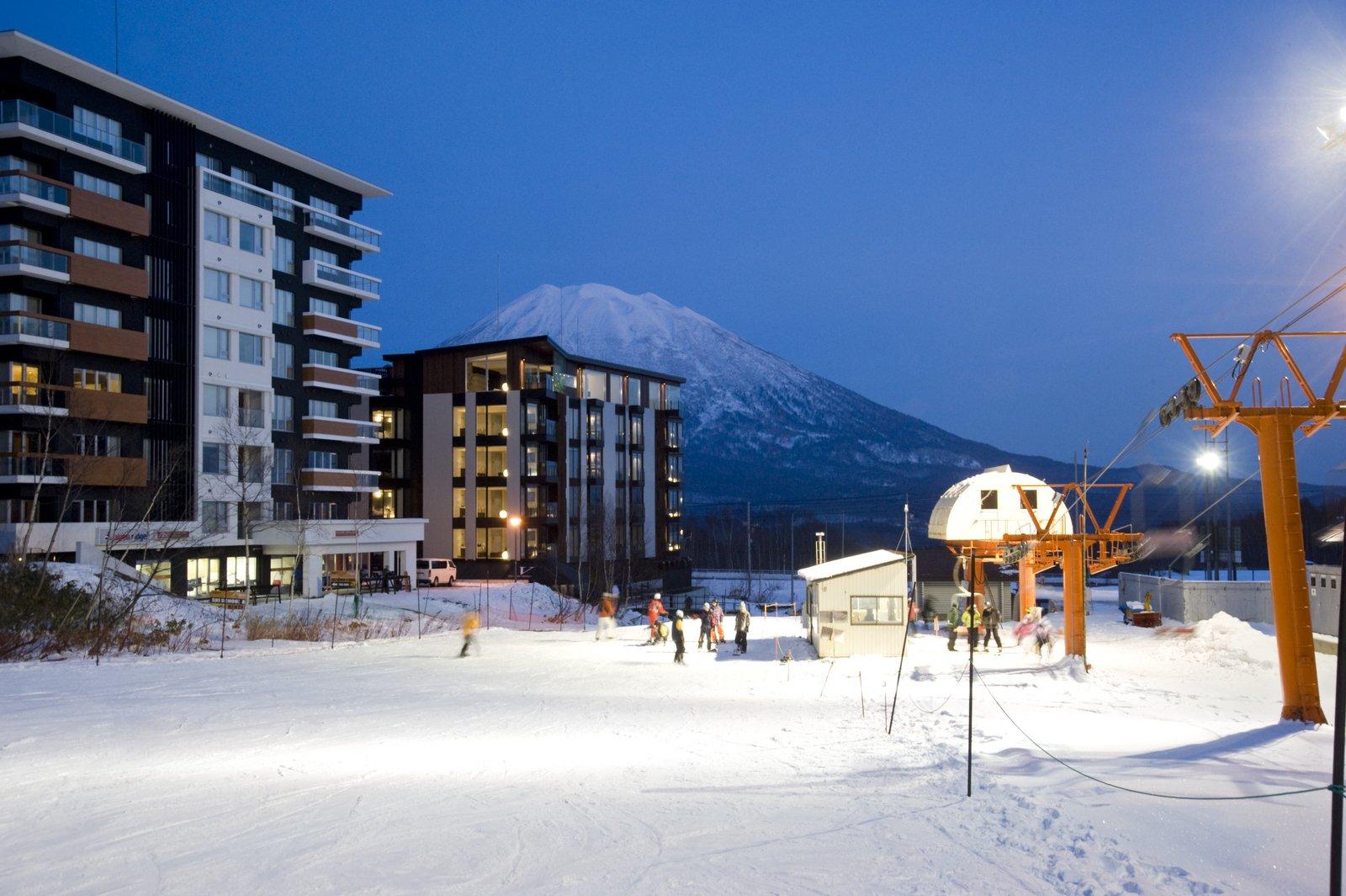 Tvn ski side large