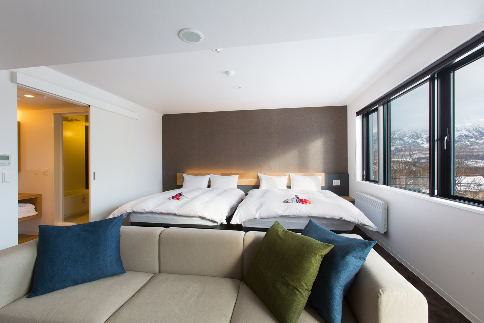 Yotei sanchou suite large