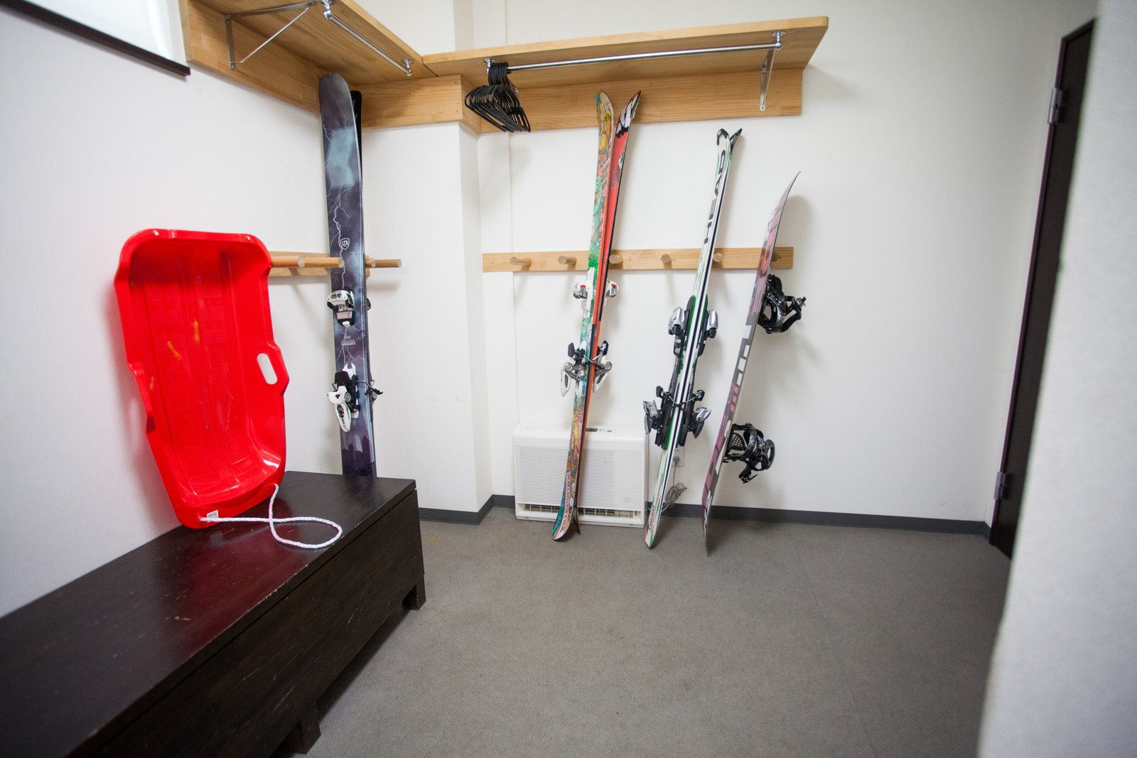 Neyuki ski locker large