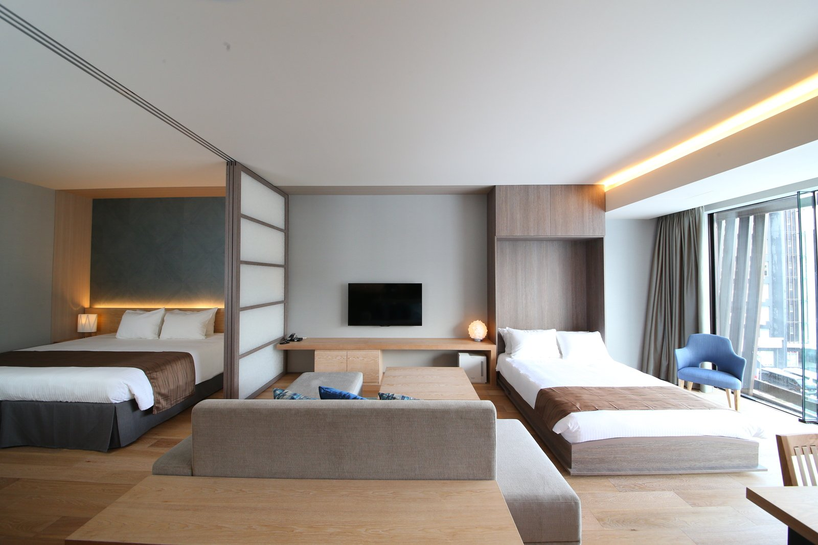 1 5 bedroom large