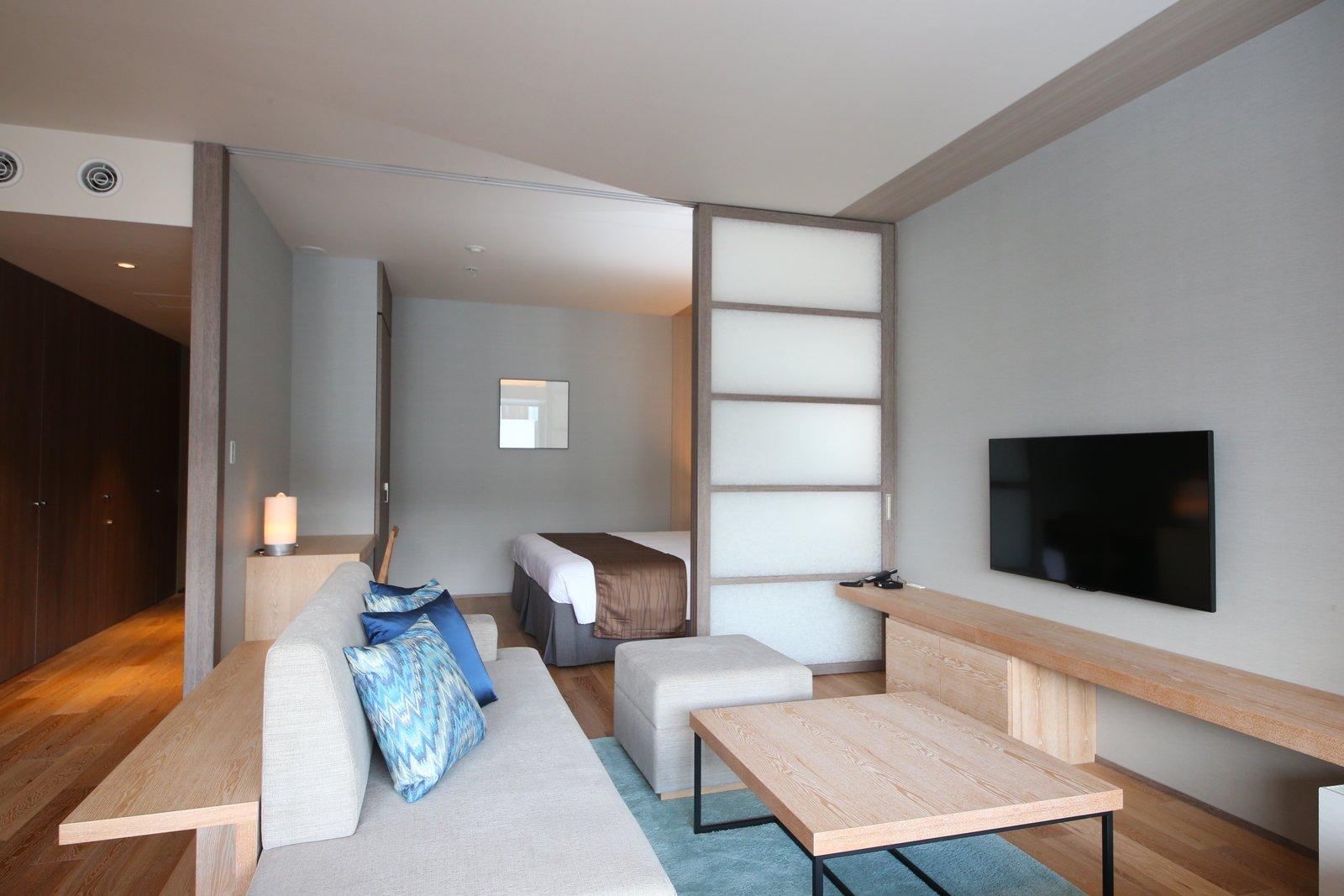 1 5 bedroom 4 large