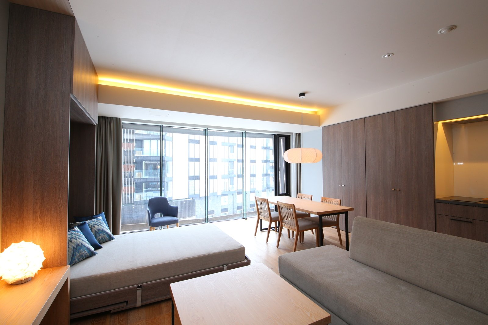 1 5 bedroom 3 large