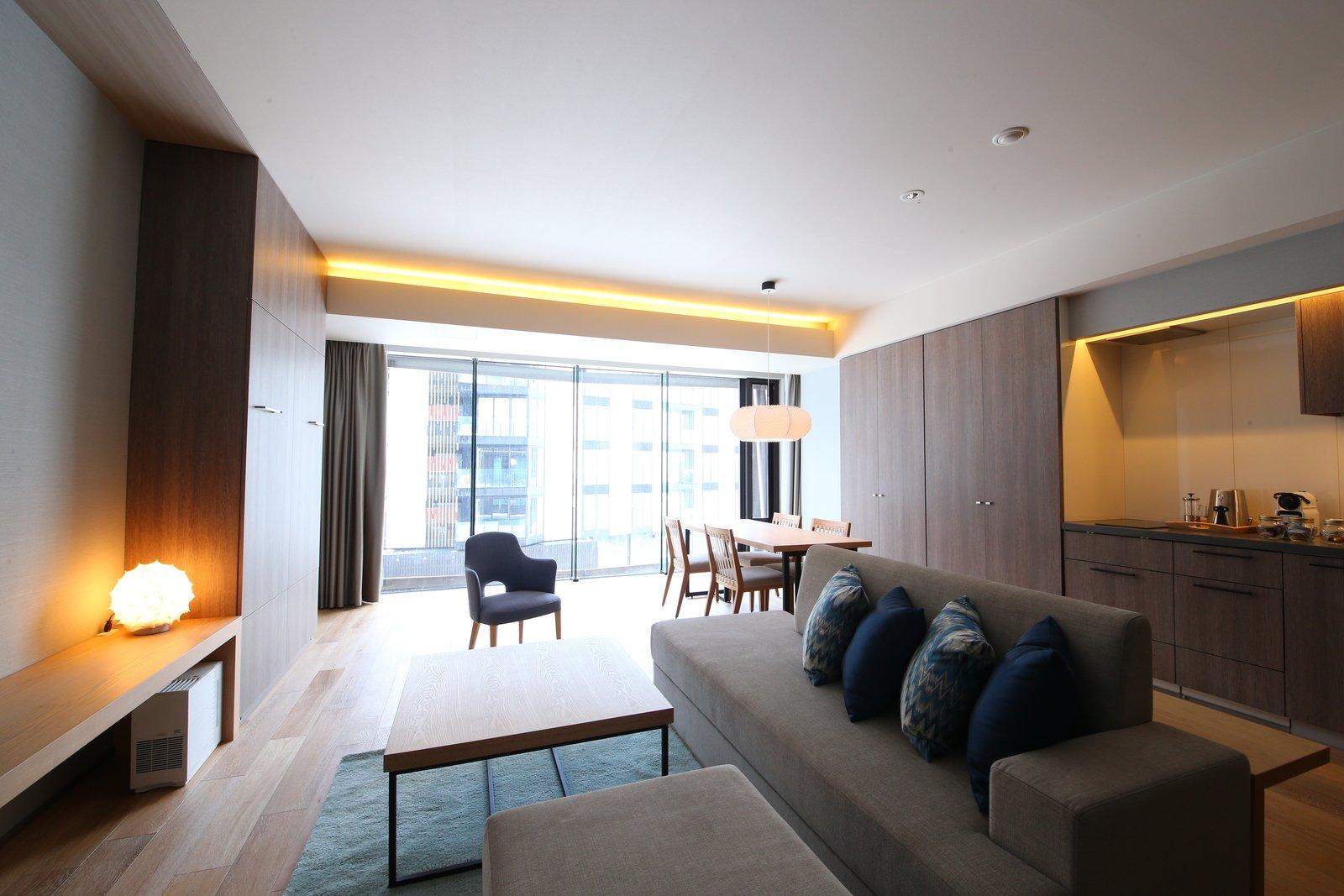 1 5 bedroom 1 large