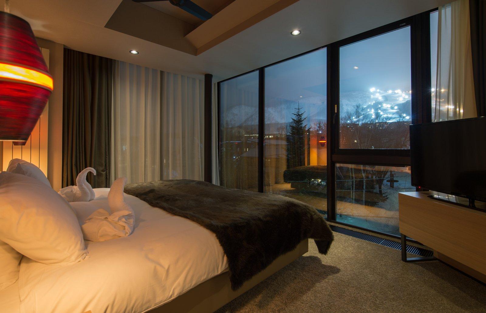Aspect 2 bedroom premium top floor large