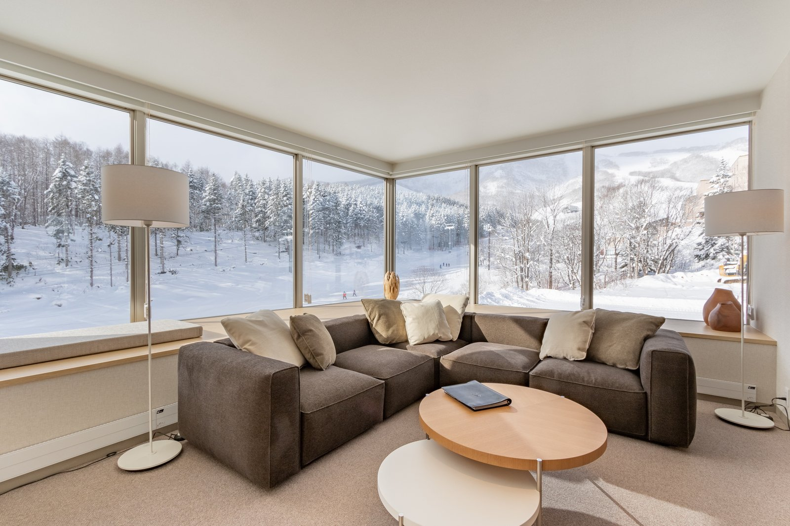 The maples 2 or 3 bedroom ski side large