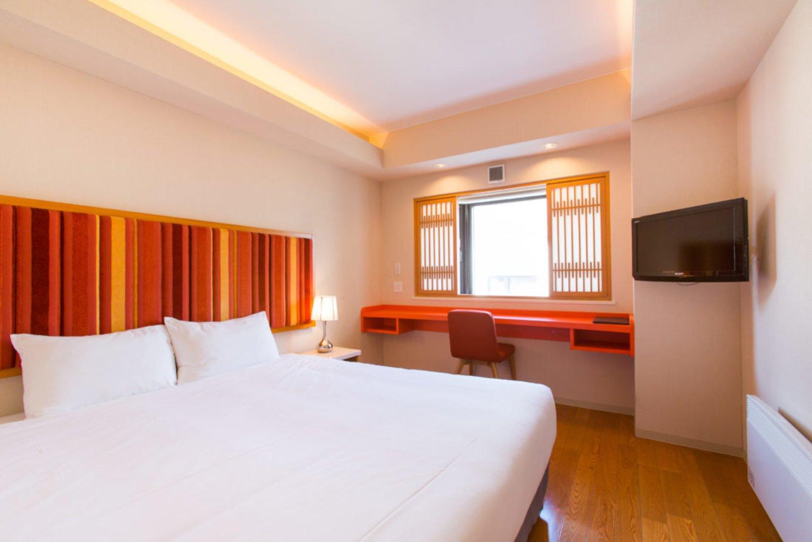 M hotel standard room large