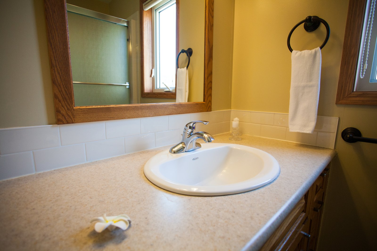 Alpine apartments bathroom large