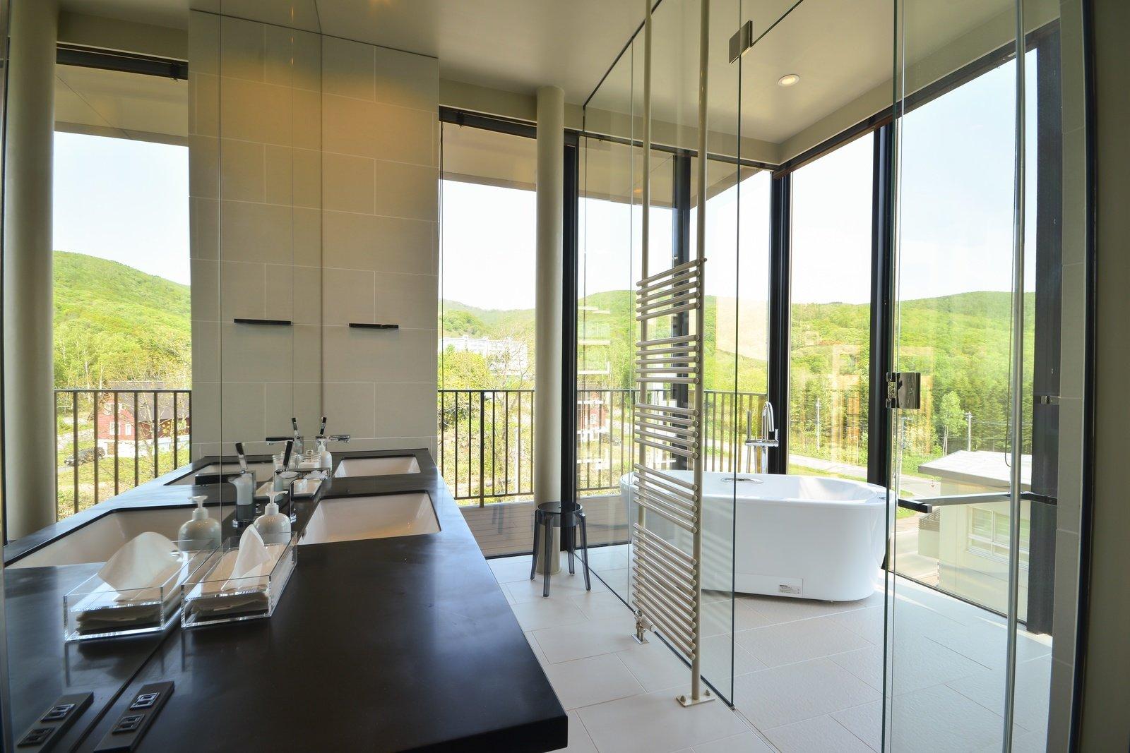 Muse 601 pth master bathroom large