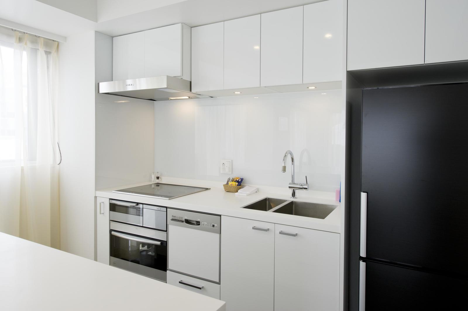 Kizuna 2 bedroom deluxe apartment kitchen large