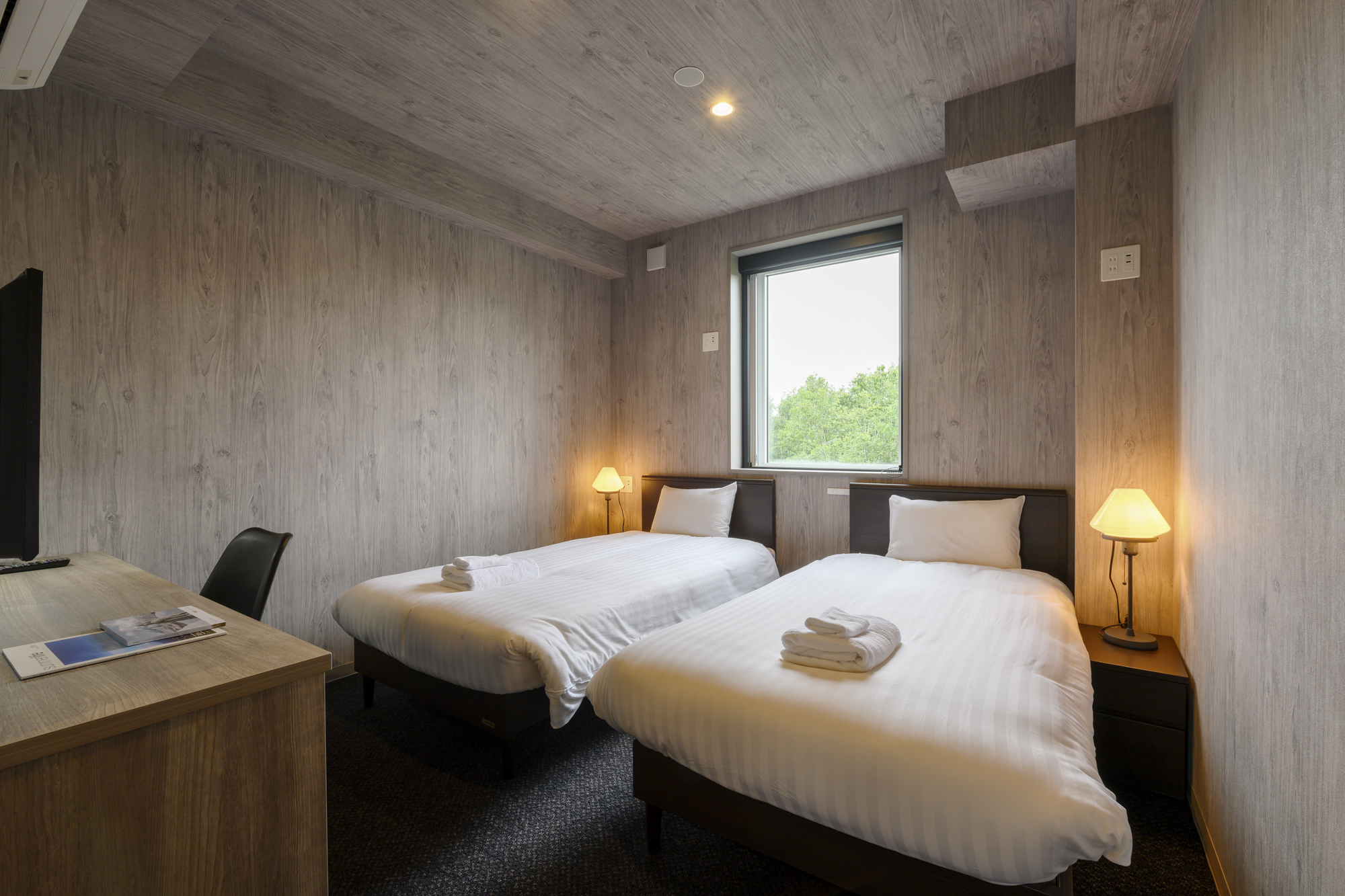Midtown Niseko - Twin room/wooden frame beds 601