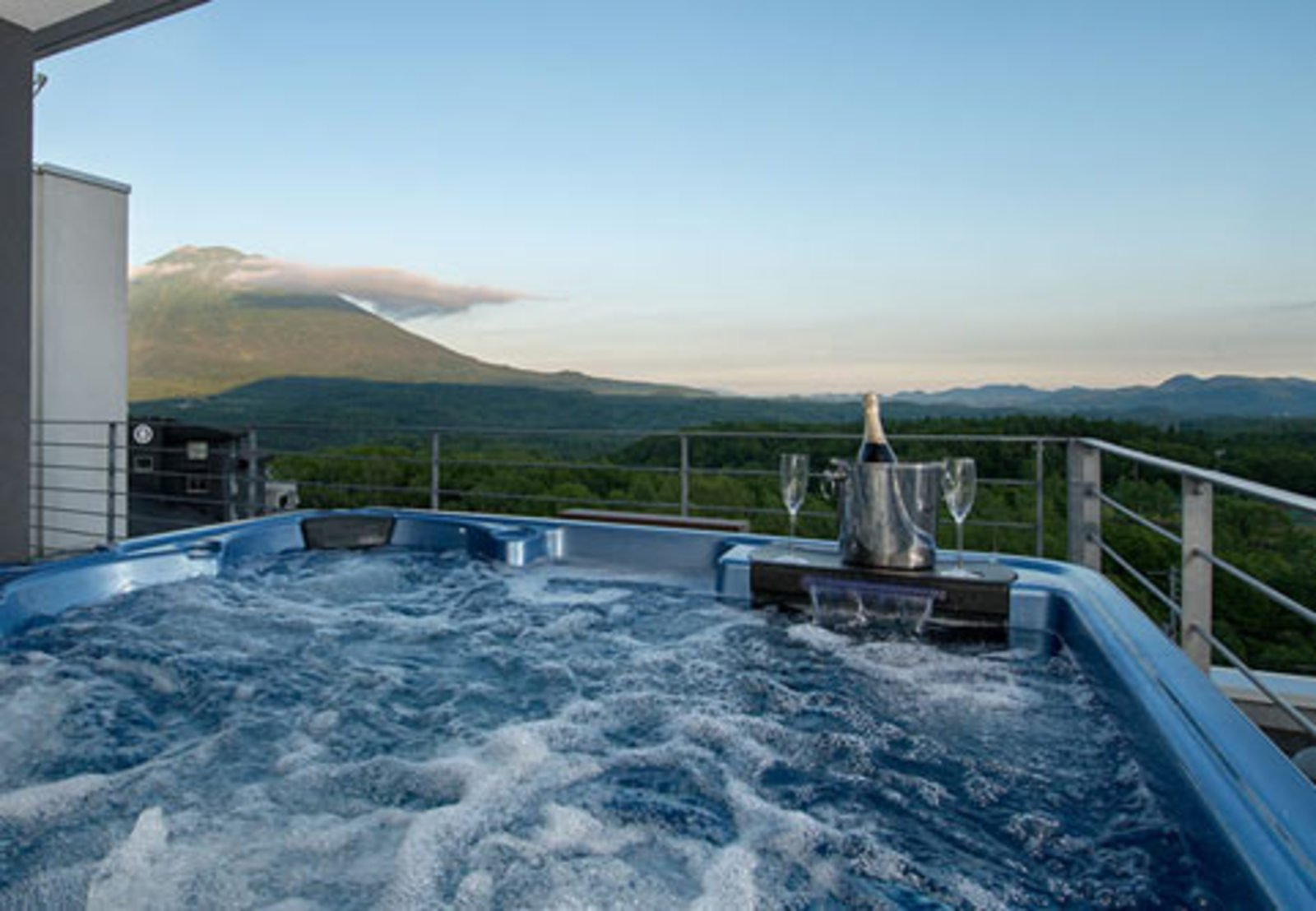 The jacuzzi overlooking Mt Yotei in the luxurious 2 bedroom penthouse at Snow Crystal in Niseko.